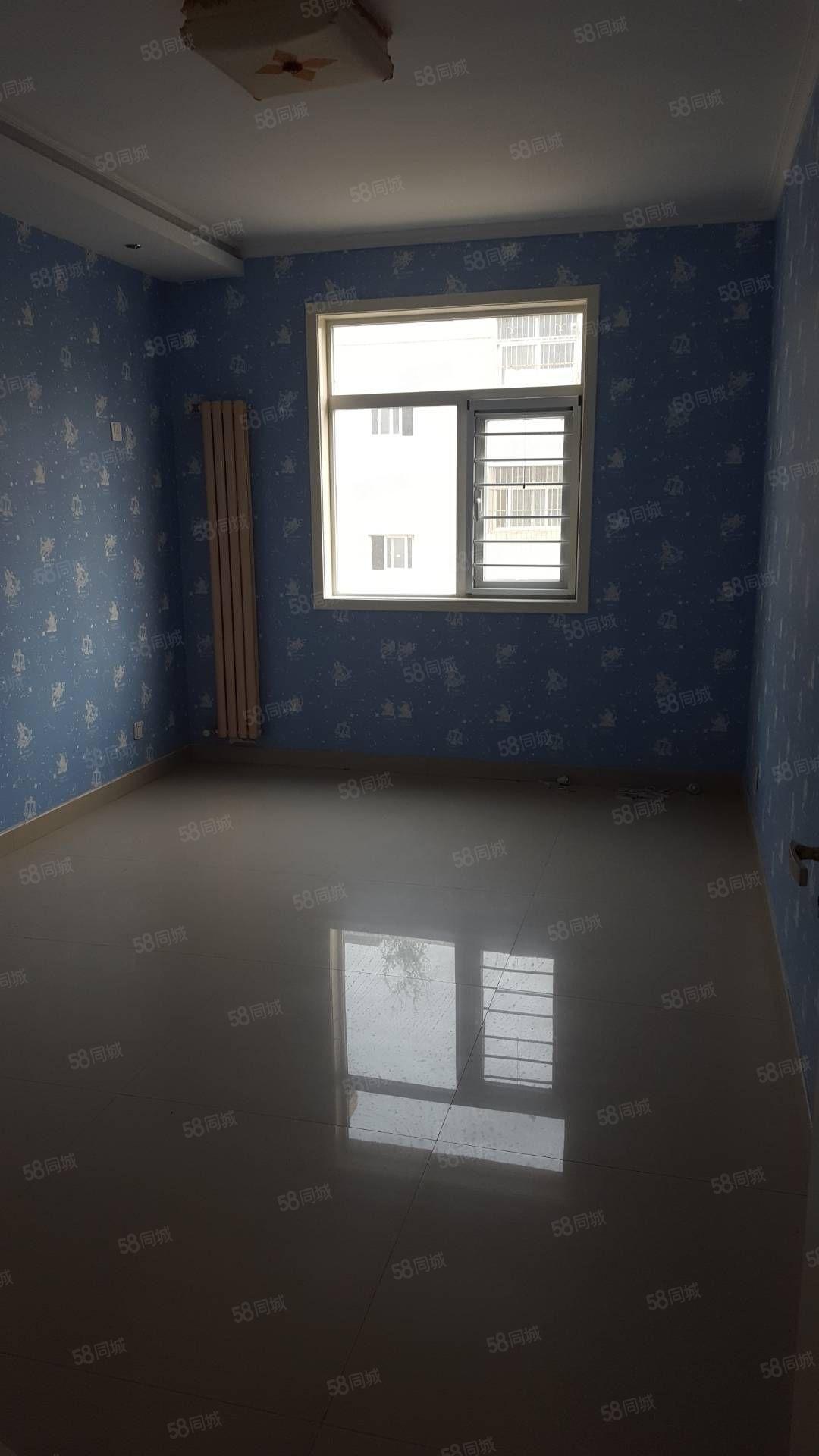 正岩城市花园精装三室两厅两卫,带地暖,家具家电配套齐全