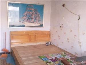 东一里一室一厅简单装修