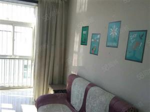 日新芳城出售一套中间层大平米精装3居室户型好没有浪费面积