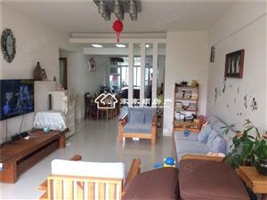 滨海学校对面住家装修2房中高楼层看房方便靠近码头