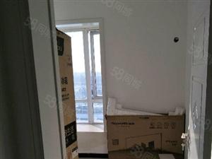 万霖钱丰电梯六楼3室2厅采光刺眼豪华装修急卖67万