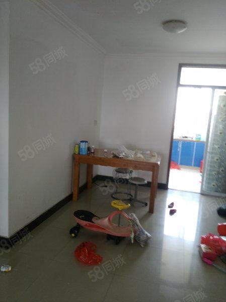 南岳路北路幸福佳苑5楼91平米两室两厅精装修报价58.8万元
