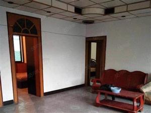 三室两厅两卫,黄金楼层,地段好,交通方便