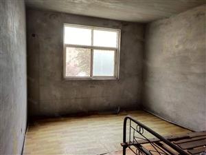 澳门葡京正网县和谐小区底层三室二厅出售