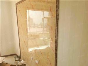 天瑞家园有精装房出租,全新的家具,贴的壁纸