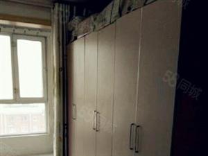 (永硕房产)步行街4室房南北通透,160平,拎包入住。