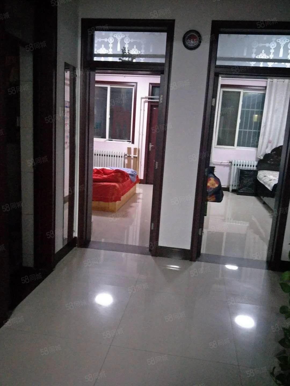 嘉祥王楼社区2室2厅1卫简装修空房子有储藏室15平租7000