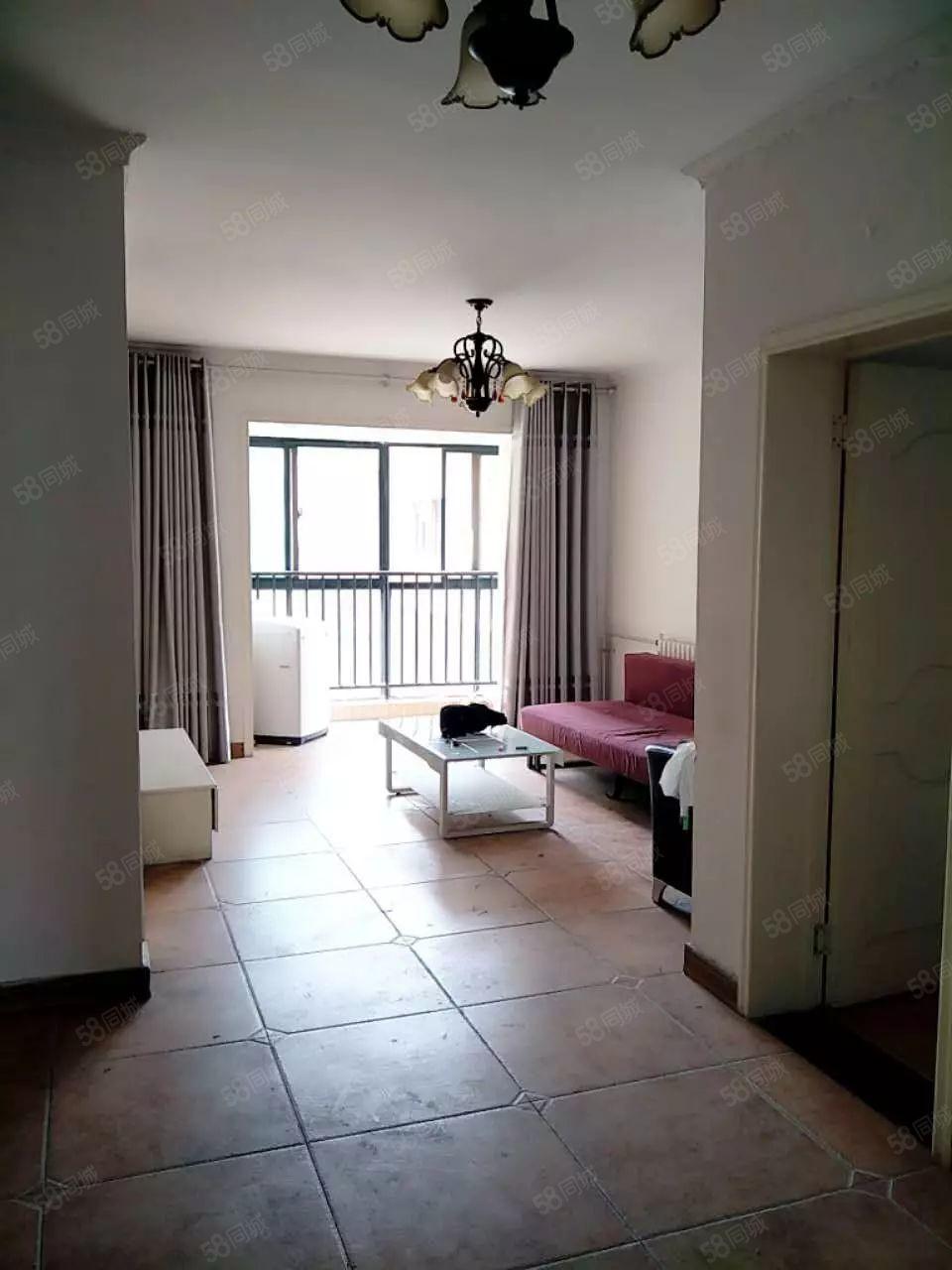 七院旁世和小区精装两室,家电齐全可做饭,全天热水,随时看房