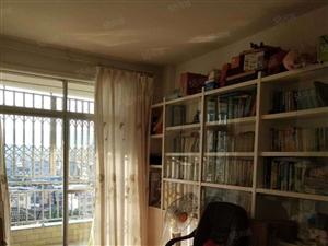 一中旁边,精装修三房两厅两卫,拎包入住,居家不二选择,书香苑