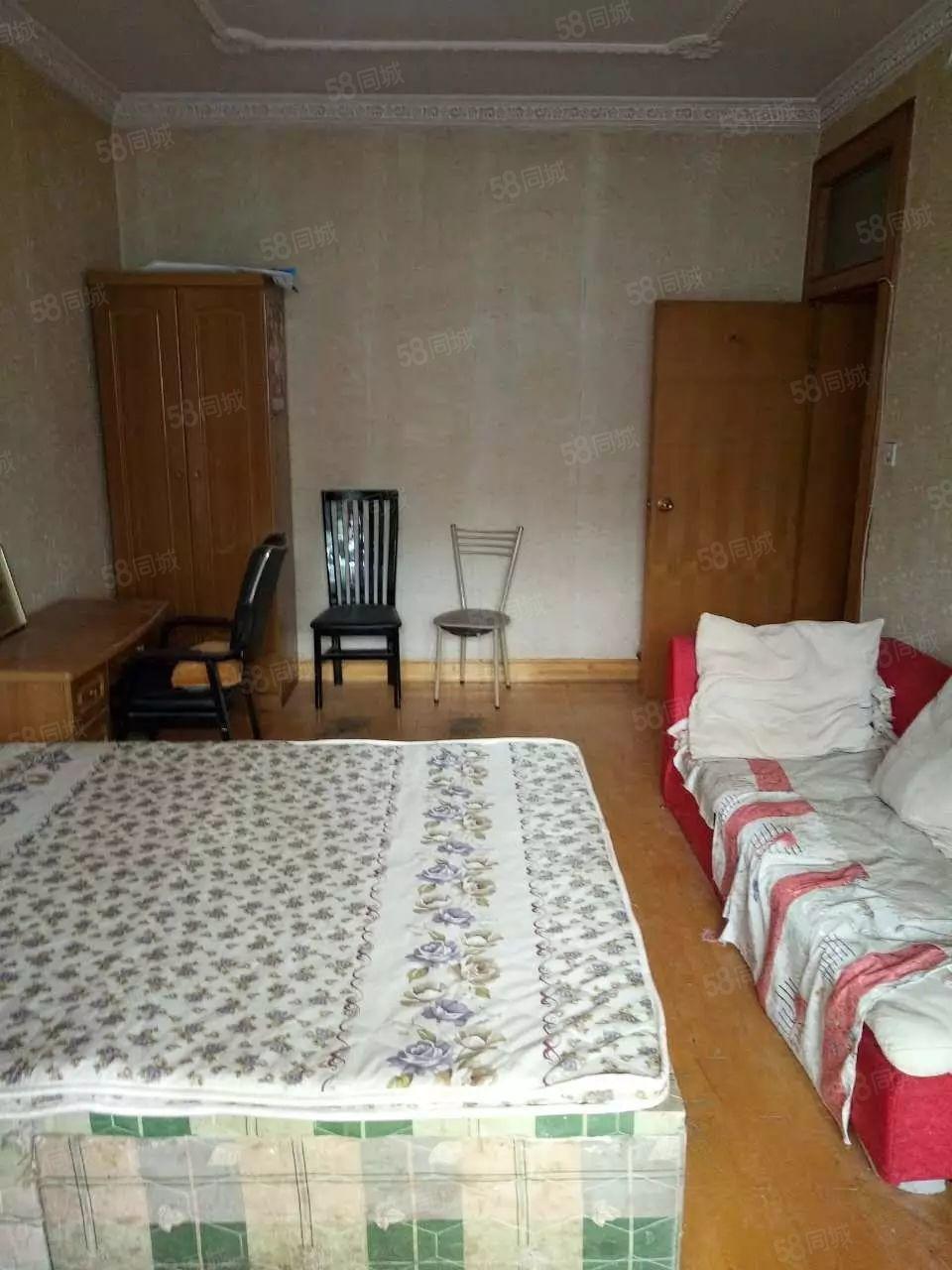 珠江荣域位于汉江路郑密路近帝湖空调洗衣机飘窗能洗澡做饭拎包住