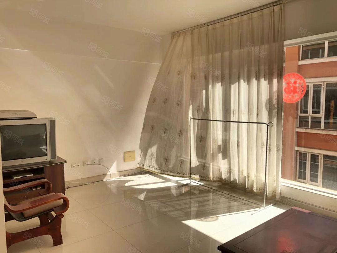 彩虹新区三室楼层佳性价比超高欢迎看房
