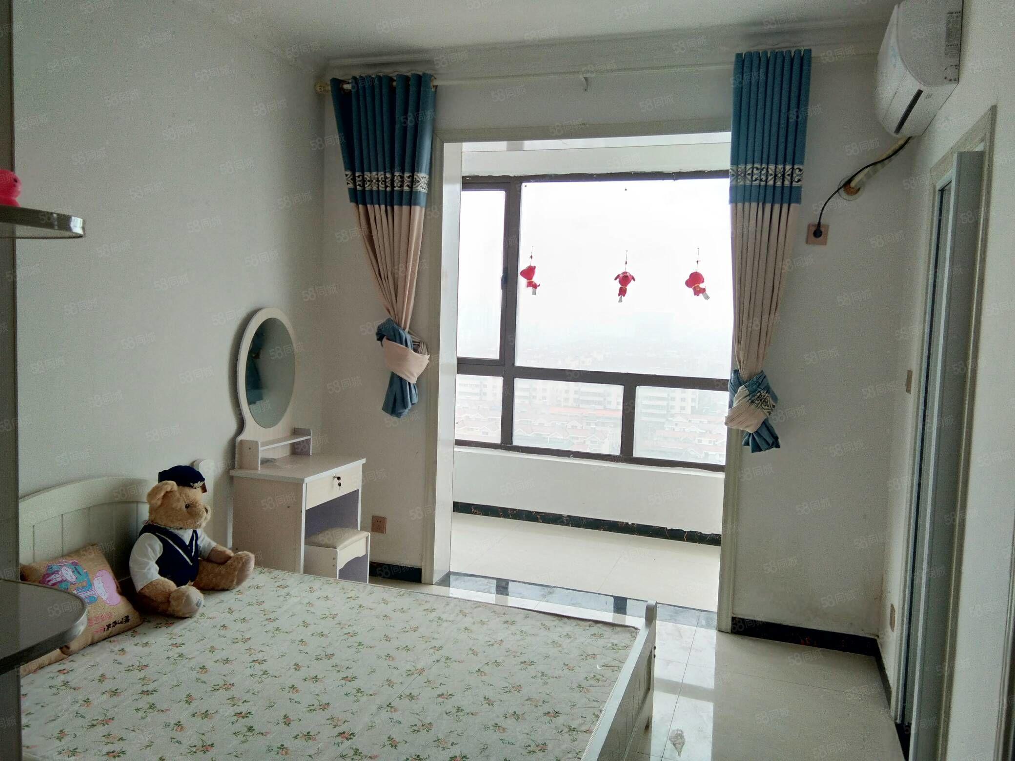 香樟大厦,1室1厅,精装,一年12000元,可半年付。