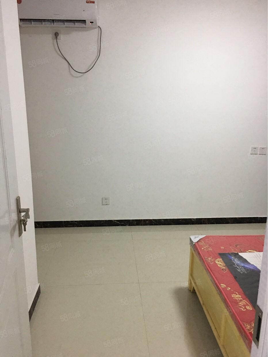 毛庄社区二室改三室可洗澡可做饭800