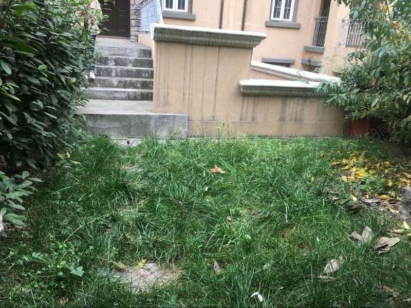 龙湖香醍漫步一楼带花园小区中间位置惊爆价300万