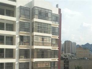 总站旁新5楼125平3室2厅2卫精装没有住过46万