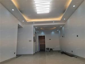 急售长宁品质小区黄金楼层全新精装修大三房,带大入户学区房