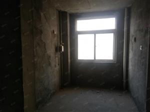 三室两厅一卫,中户,户型合理,。。。。。。。。。