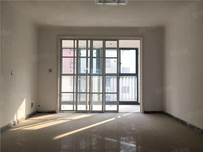 紫荆城,家电齐全,有电梯,环境好,可拎包入住,南北通透。