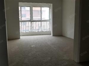 水印澜亭电梯洋房4楼,135平,三室两厅,带储藏室6平,新证