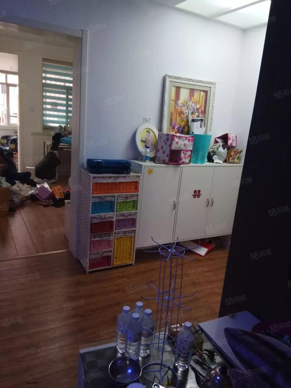 梦圆北区3楼两室一厅豪华装修全套家具家电拎包入住急租