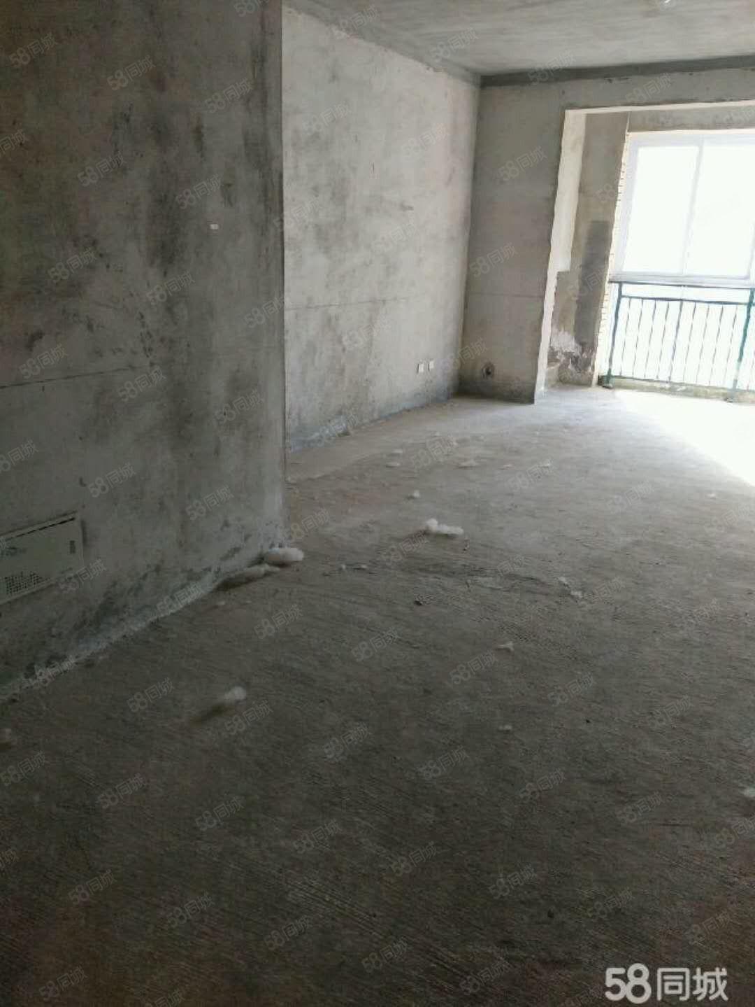 御龙湾2室2厅2楼毛坯