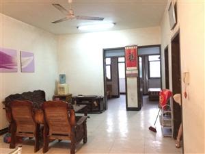 实验中学南段,大三室,几乎无公摊,房子特别敞亮