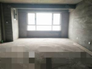 帝泊湾3室毛坯房顶楼赠送70平阁楼和地下车库,性价比高