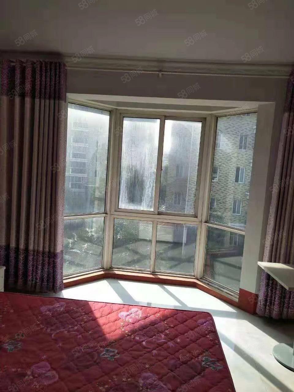 中豫世纪城三室两厅两卫年租12000