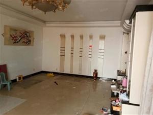 沁园小区高层3室2厅2卫18楼共23层,有证可贷款,精装修。
