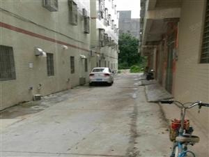 京源上景附近私宅,地面40平方,3.5层,前8米,侧大路