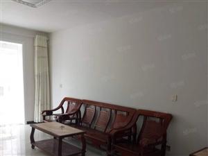 出租正大盛苑三室两厅两卫,简单家具,拎包入住,年租