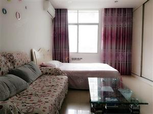 世纪豪庭精装单身公寓!带露台!
