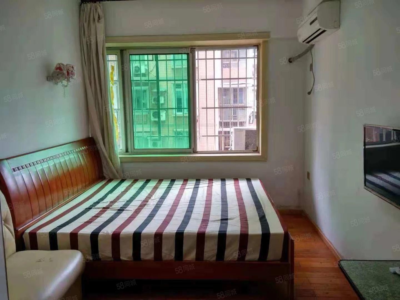 南门桥光复街《酒店式公寓》电梯1室1厨1卫精装全齐1000元