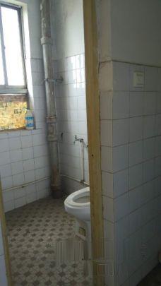 毕塬路795厂生活区70两室房仅售15万