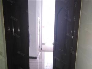 东方御园两室改三室精装修拎包入住