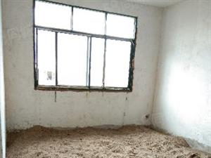 亏本卖单价才1900单位房子大4房证+件齐全