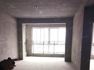 金香苑电梯房,147平方。可按揭,69万!