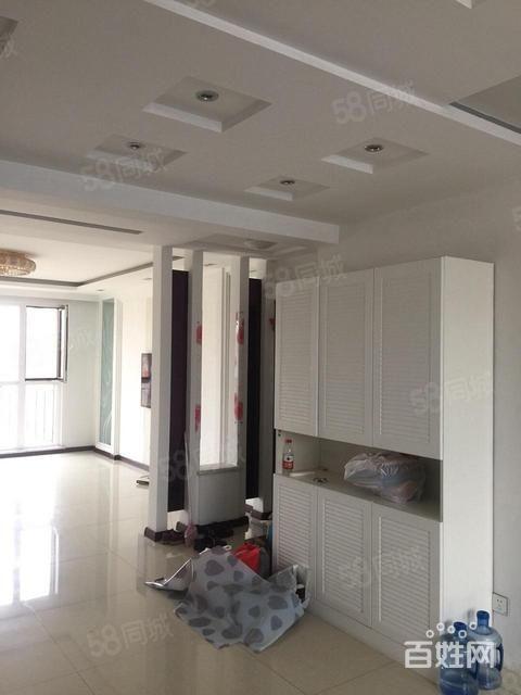 首创象墅142平精装修,三室2卫家具家电齐全拎包入住