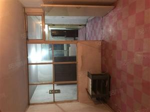 敬业东里205附近2室1厅4楼。