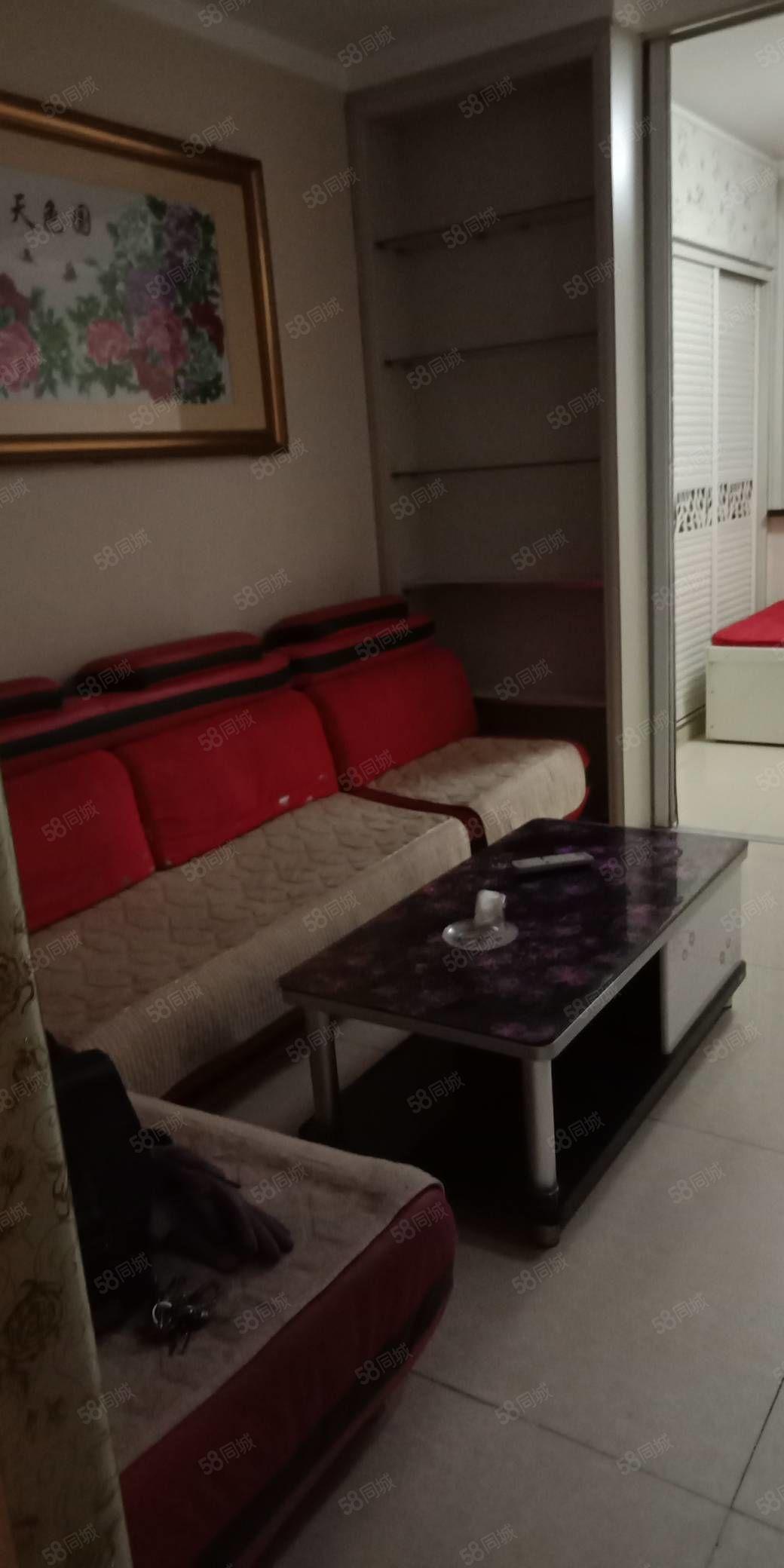 惠民小区精装小公寓出租,55平米,2层,一个月900元,