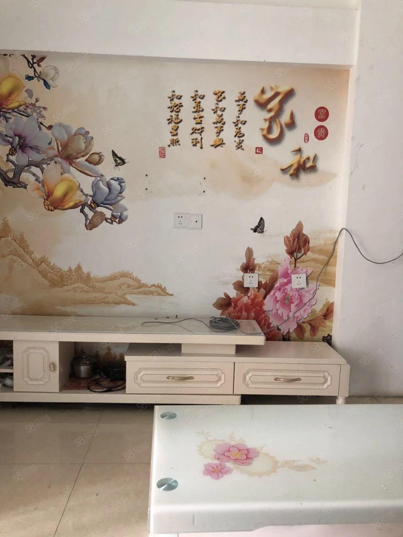 锦绣翠园精装一室一厅,家具家电齐全,有钥匙随时看房