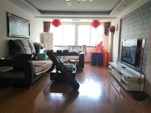 套三双卫好房子。1楼带院放心舒适的优质房