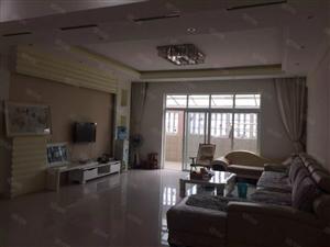 大昌隆楼上3楼平台+135平精装+大阳台56万双证在手。