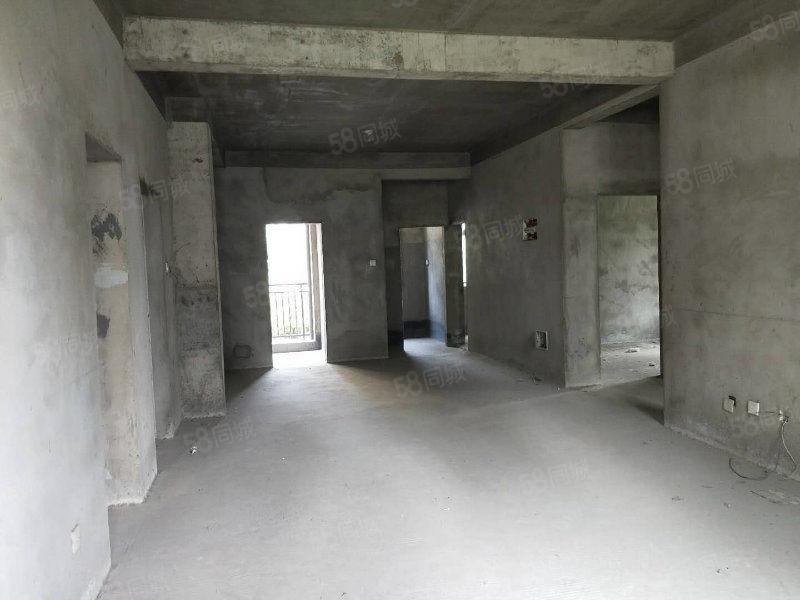 一楼带花园地下室毛坯房本小区只有3一套在卖诚意急售