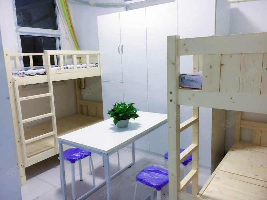 鑫苑世纪东城1室1厅精装四人间公司宿舍好选拎包入住!