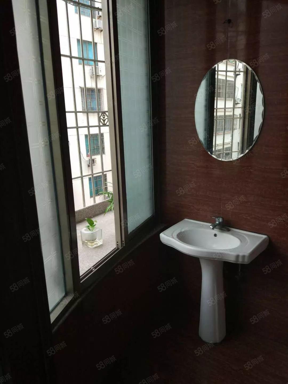 东桥花苑沃尔玛边上隔套单身公寓租金800800800