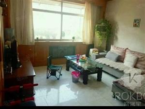 房子配套齐全每个卧室都有空调周围生活方便拎包可住