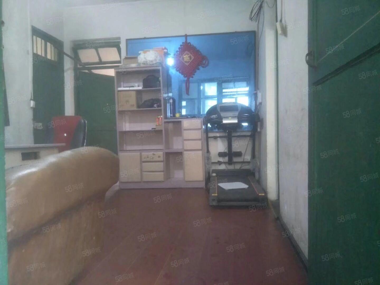 客车站樊瑞大酒店附近2室1厅,带阳台,空调,简单装修