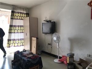 开发区精装一房出租拎包入住1500