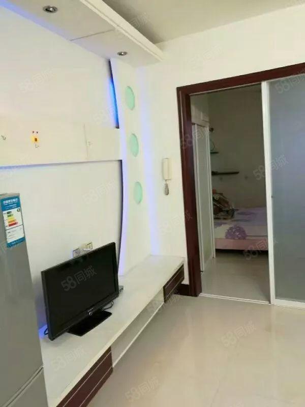 富豪世家二室一厅一厨一卫,装修中上,设备齐全,拎包入住